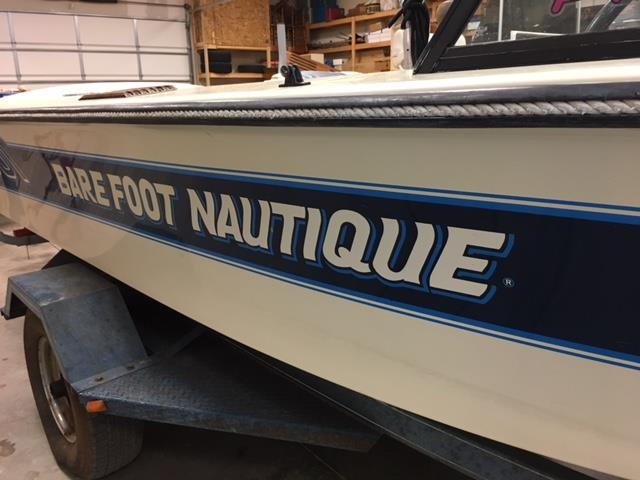 1986 Barefoot Nautique, Fresh 454 cubic inch / 375 hp (Jasper Engine
