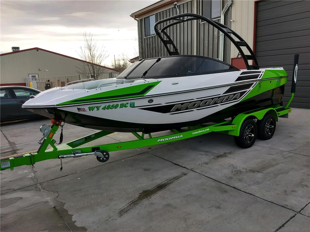 2014 Moomba Mondo wake / surf boat For Sale in cheyenne, Wyoming
