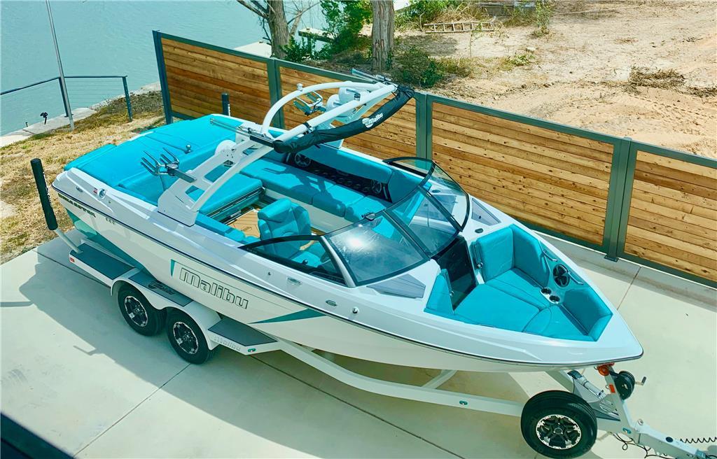 GatorStep Kits for Malibu Boats | OnlyInboards