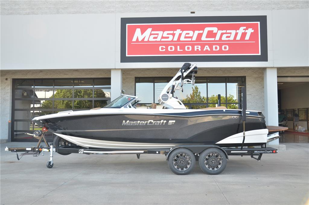 2019 MasterCraft XT-23 430HP ILMOR 6.2! 6 HOURS LIKE NEW!!!