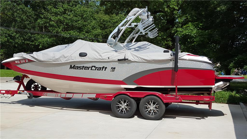 2015 Mastercraft X23 surf/wakeboard boat and trailer
