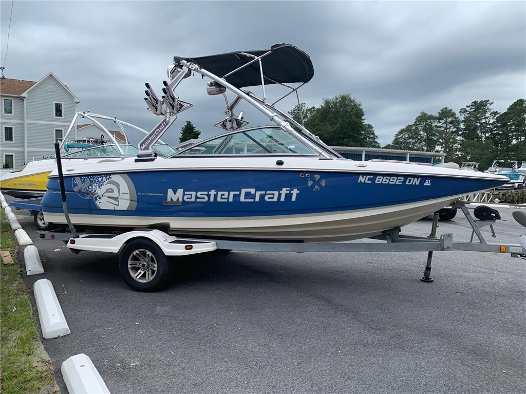 dealer boat