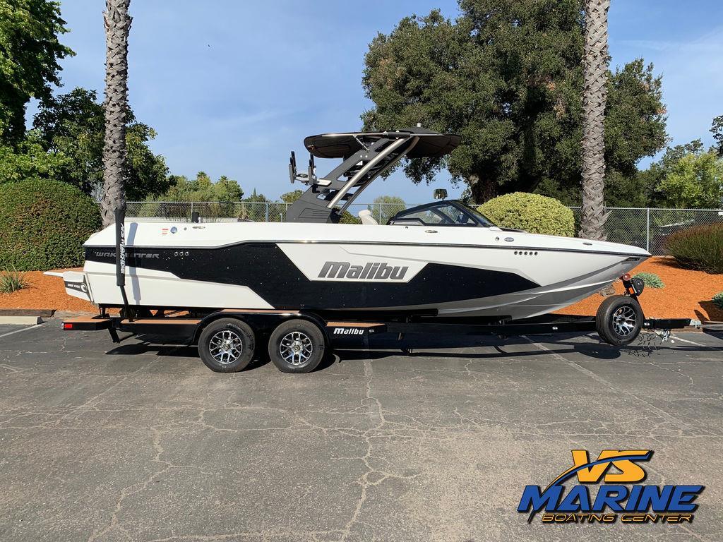 2020 Malibu Boats 25 LSV