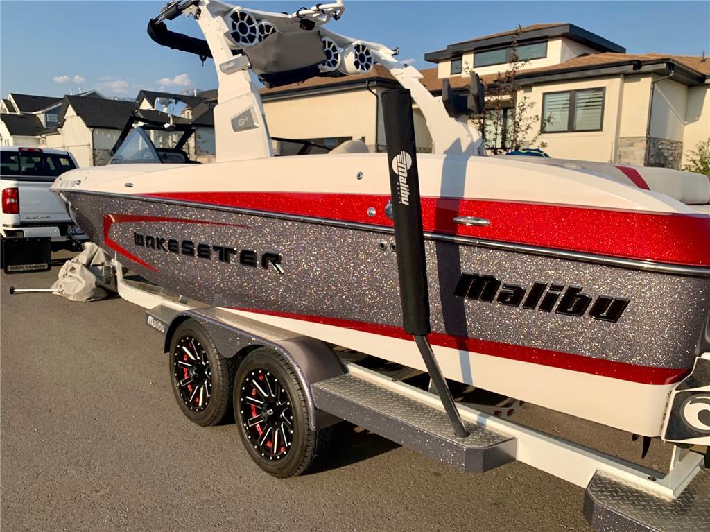 SALE PENDING***  2016 Malibu 24MXZ Wakesetter 450 engine