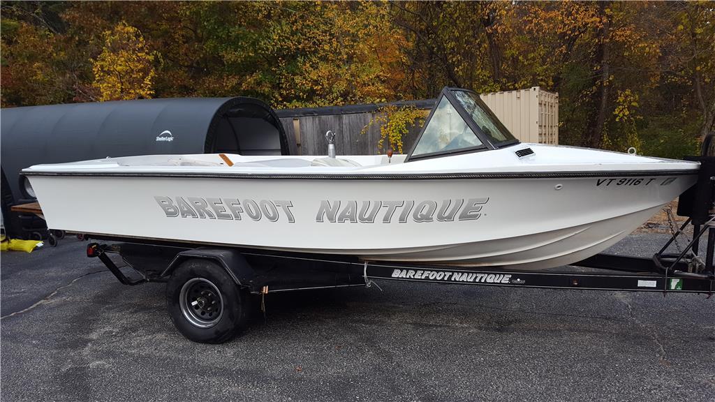 1988 Barefoot Nautique 454 ci V8  ski boat
