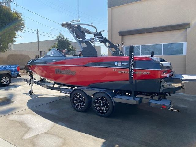 2018 MALIBU 22 VLX **ONLY 10 HOURS** WHAREHOUSE STORED