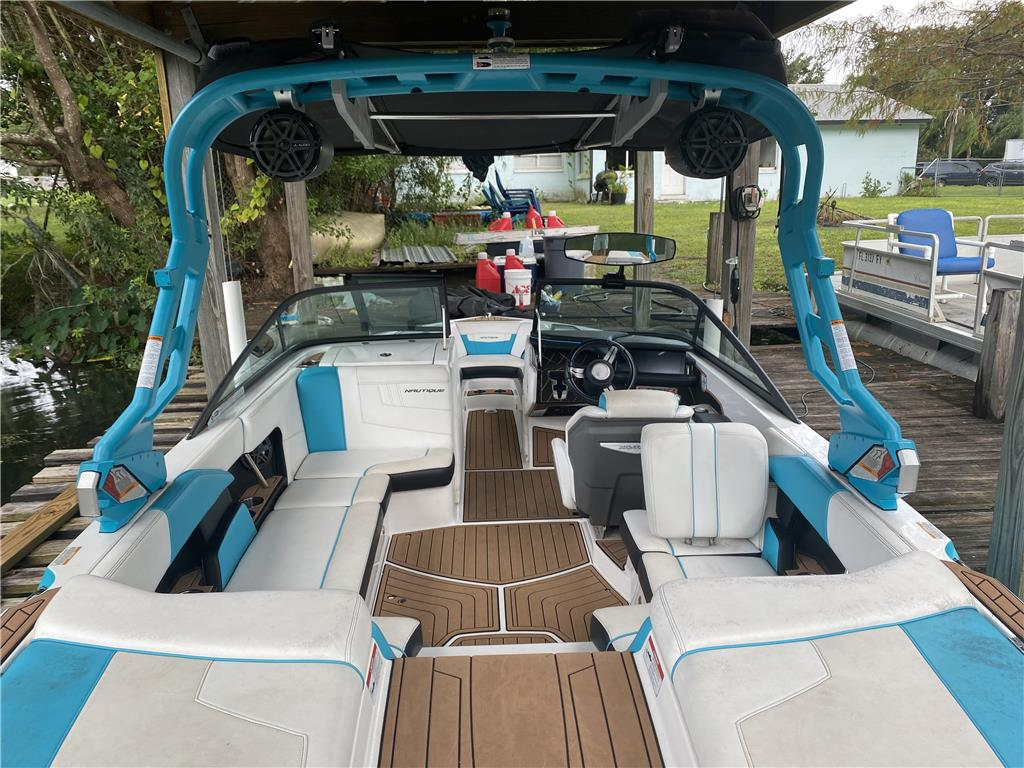 2018 Super Air Nautique 210