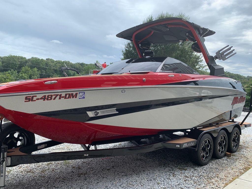 2019 Malibu Boats M235