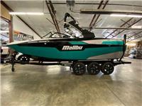 2020 Malibu Boats M2...