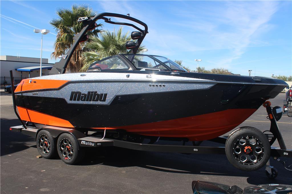 2020 Malibu M220