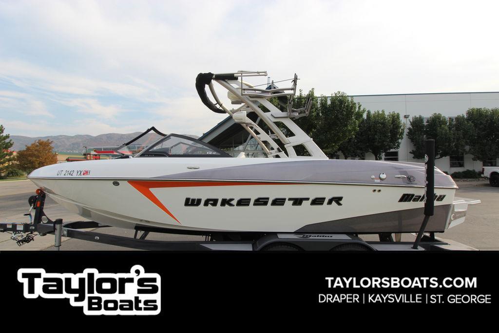 2016 Malibu Boats 22 VLX