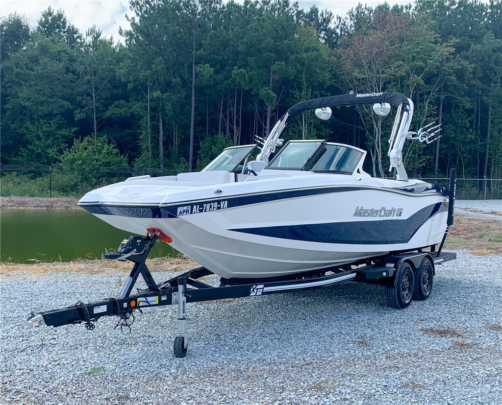2018 Mastercraft XT22 **Low Hours**