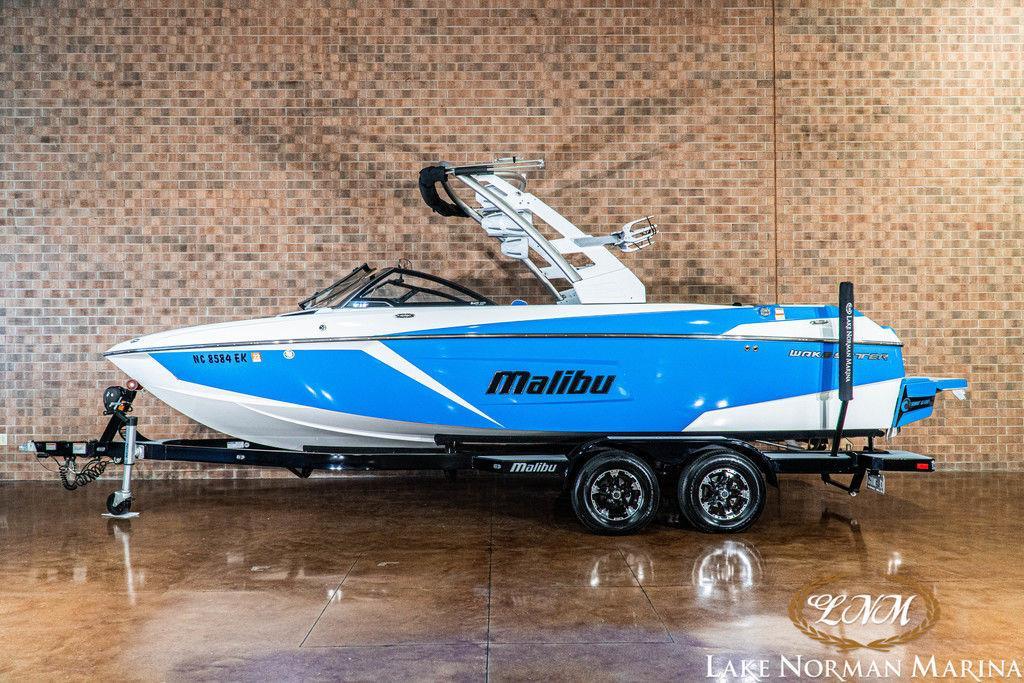 2019 Malibu Boats 23 LSV