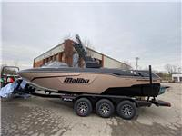 2021 Malibu Boats 25...