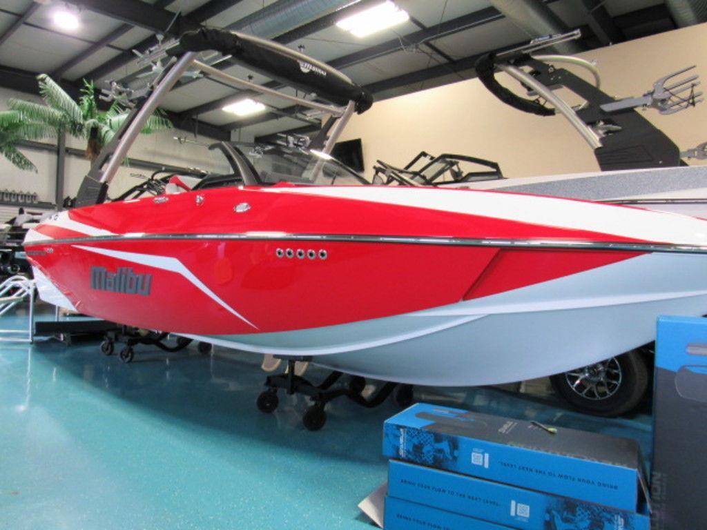 2020 Malibu Boats 21 VLX