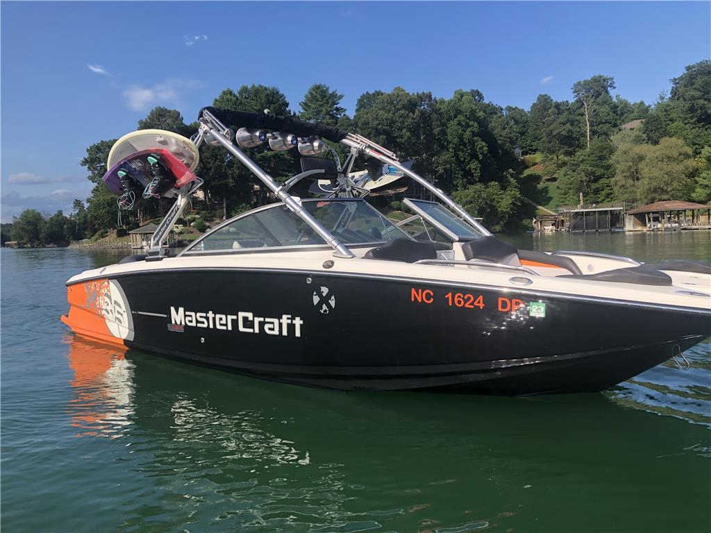 Mastercraft X35 One Owner