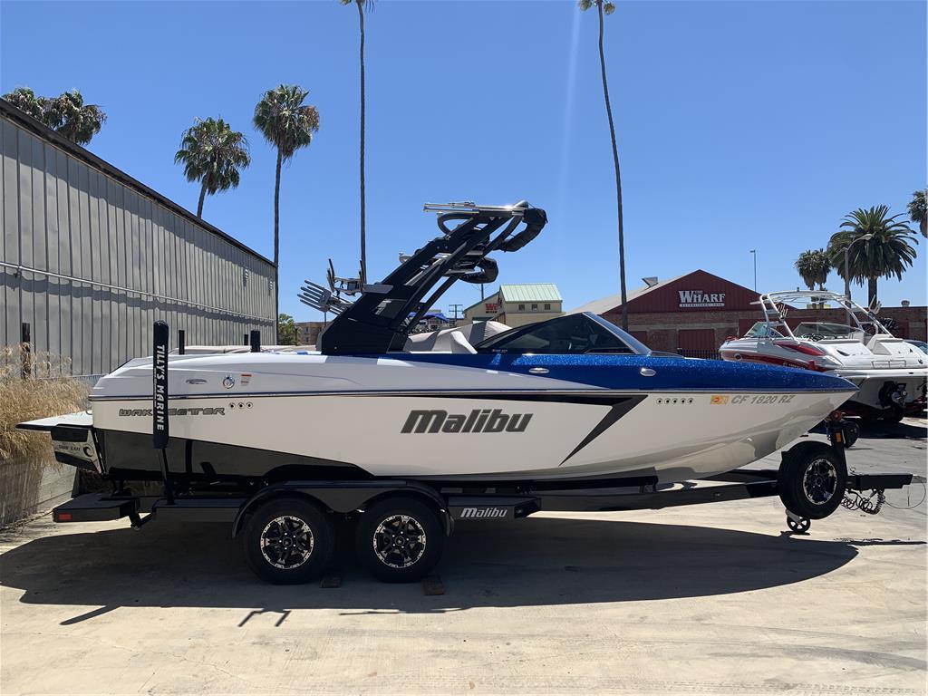 2018 Malibu 22 VLX
