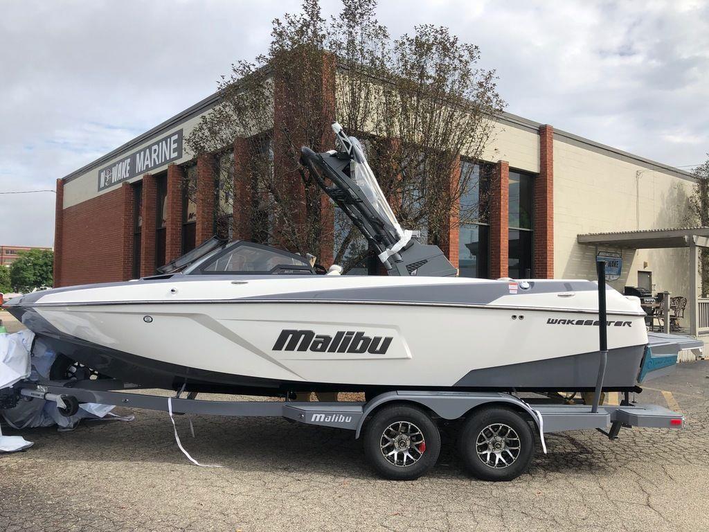 2021 Malibu Boats Wakesetter 22 LSV