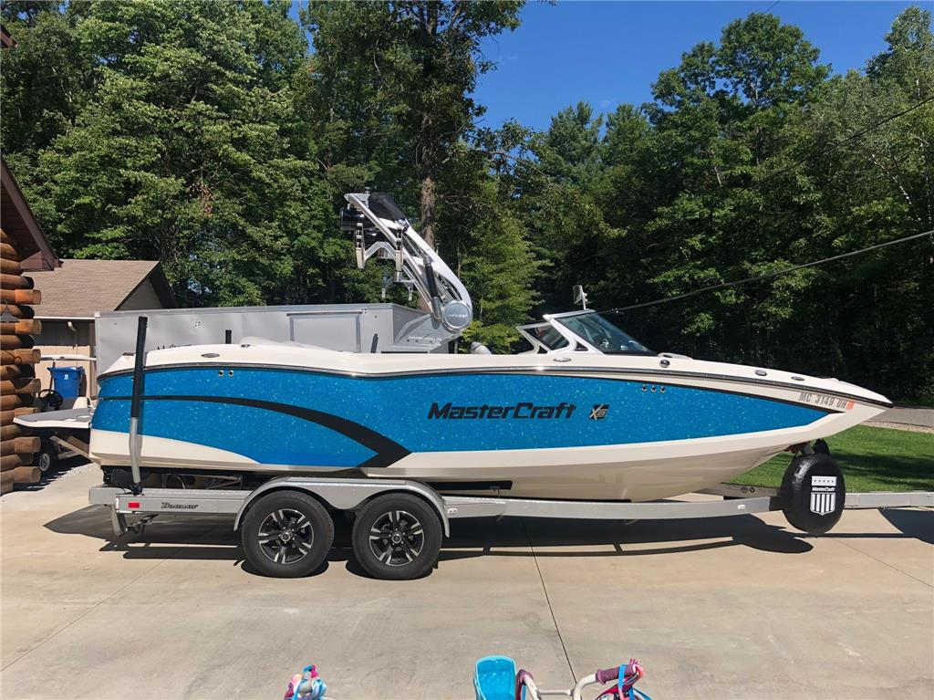2015 Mastercraft X23 - Low Hours - Surf Package