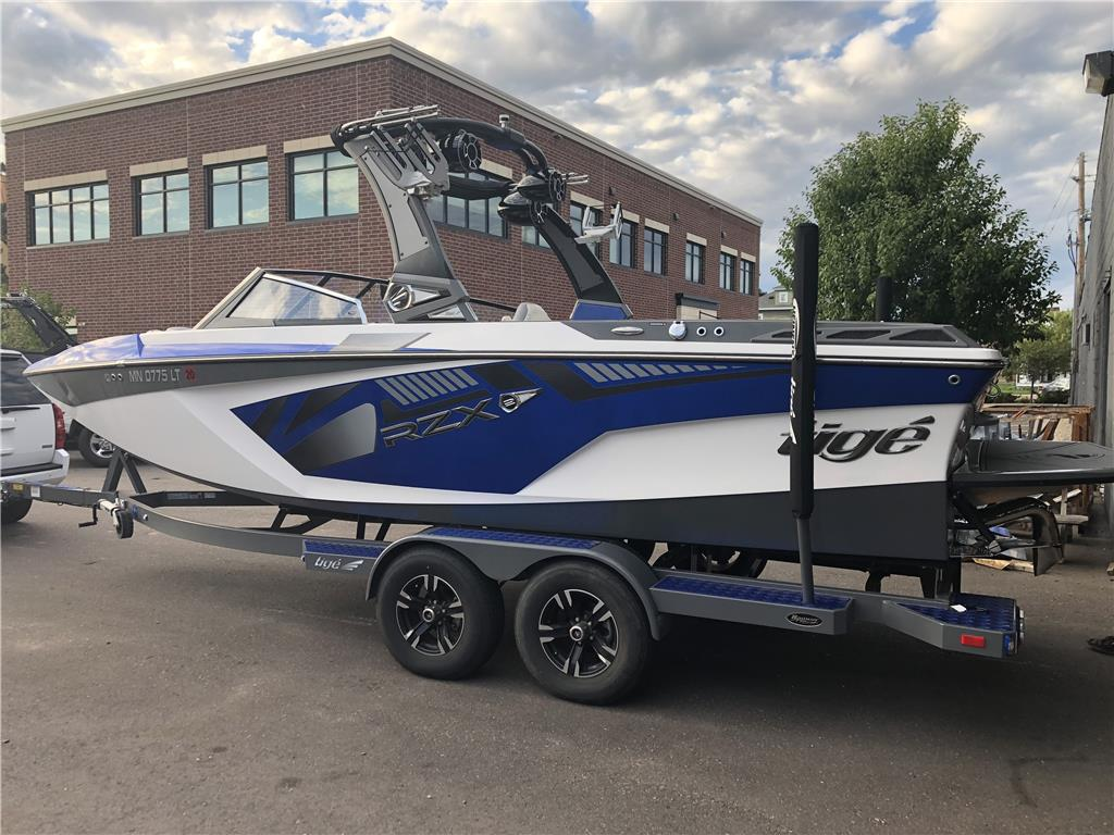 2017 TIGE RZX2! Just traded in now! Fully loaded!