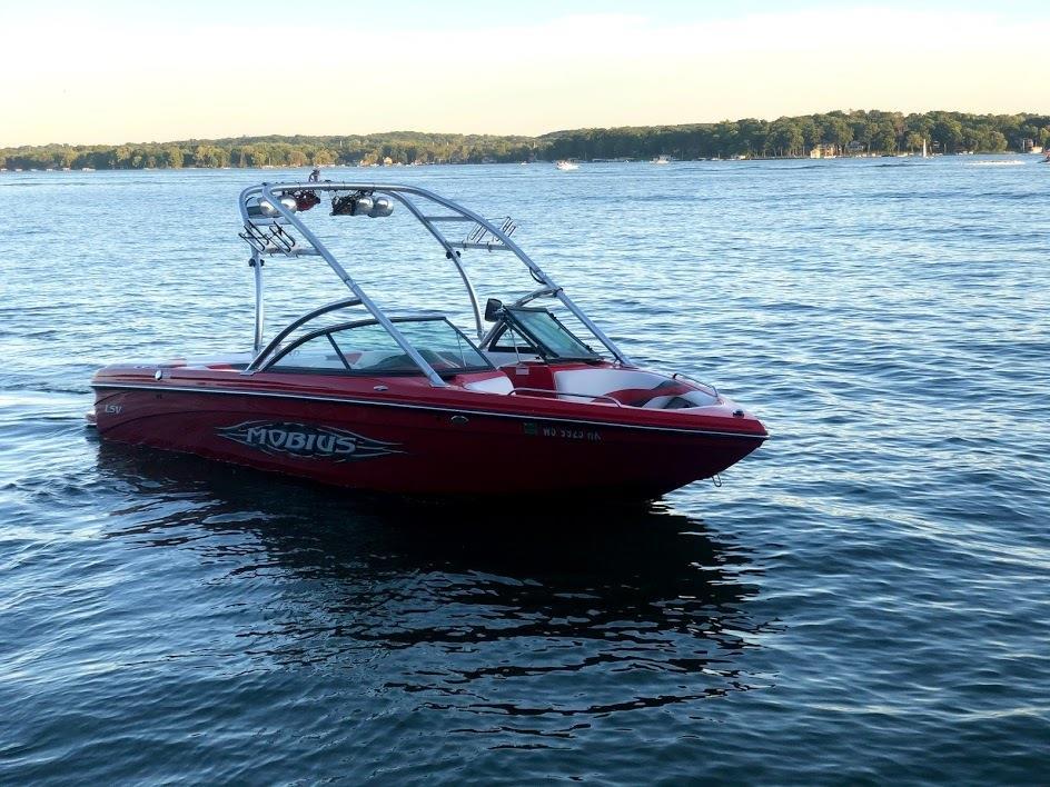 2007 Moomba Mobius LSV wake boat and trailer