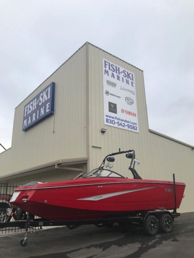 2021 Heyday Wake Boats WT-Surf