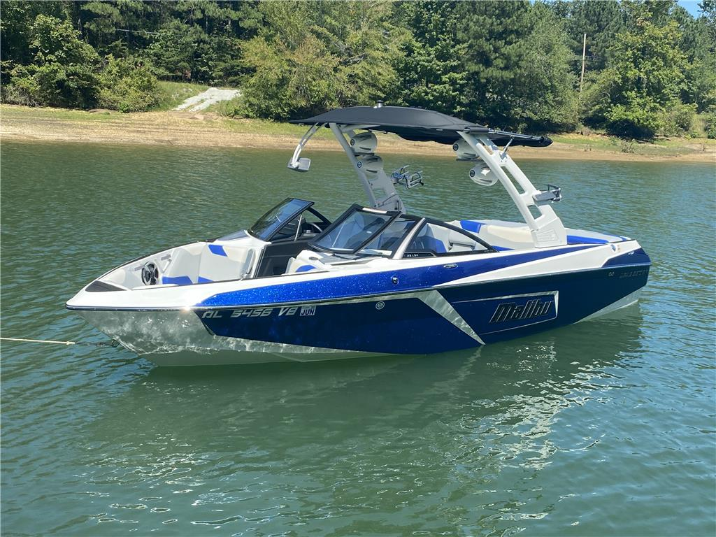 2019 Malibu 23 LSV - TONS OF METAL FLAKE!