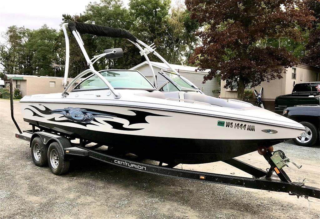 2007 CENTURION AVALANCHE C4 - ONLY 50 HOURS ON ENGINE