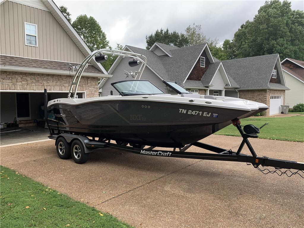 2016 Mastercraft NXT22 in perfect condition