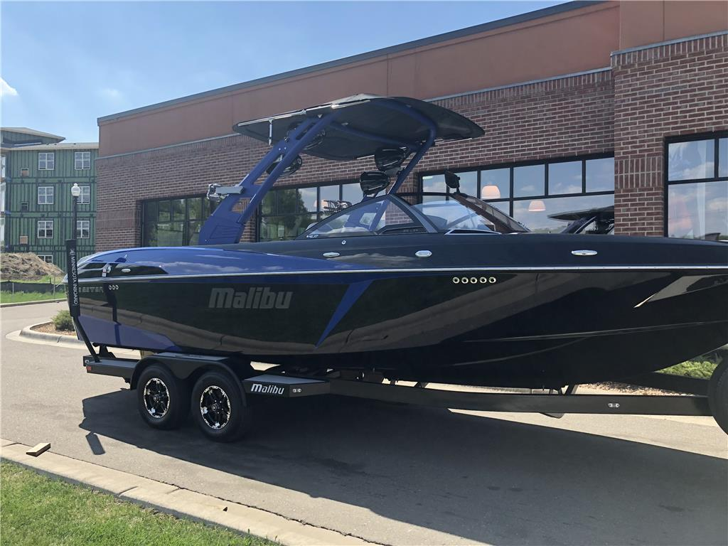 2018 MALIBU WAKESETTER 25LSV - Ready to go - Price REDUCED!
