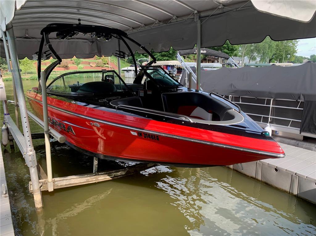 2012 Supra SunSport 22V wake boat