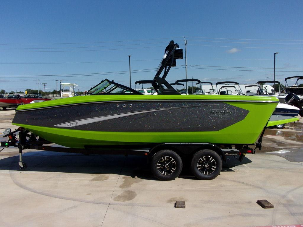 2021 Heyday Wake Boats WT-2DC