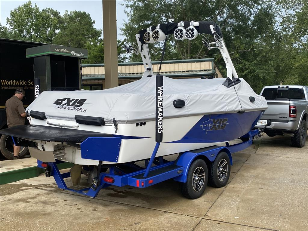 2015 Axis T22 w/ extras