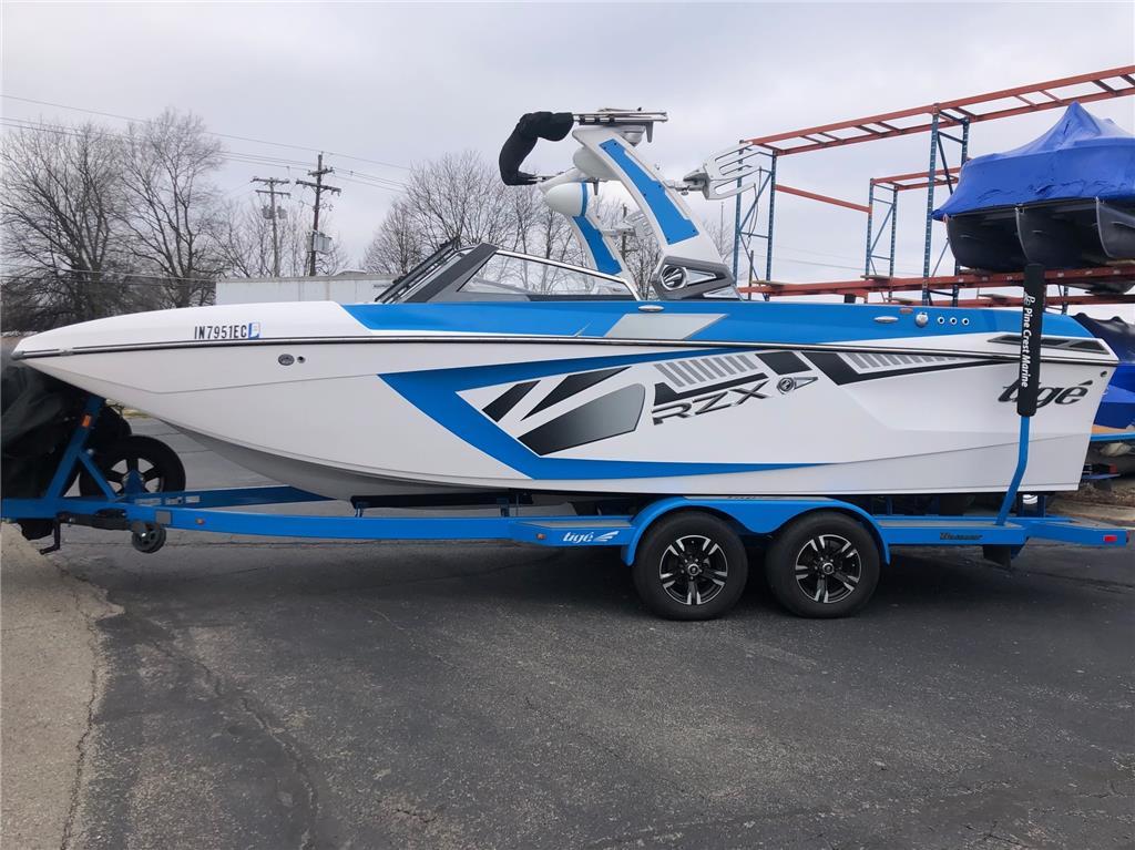 TIGE RZX3 23ft Wakesurf boat