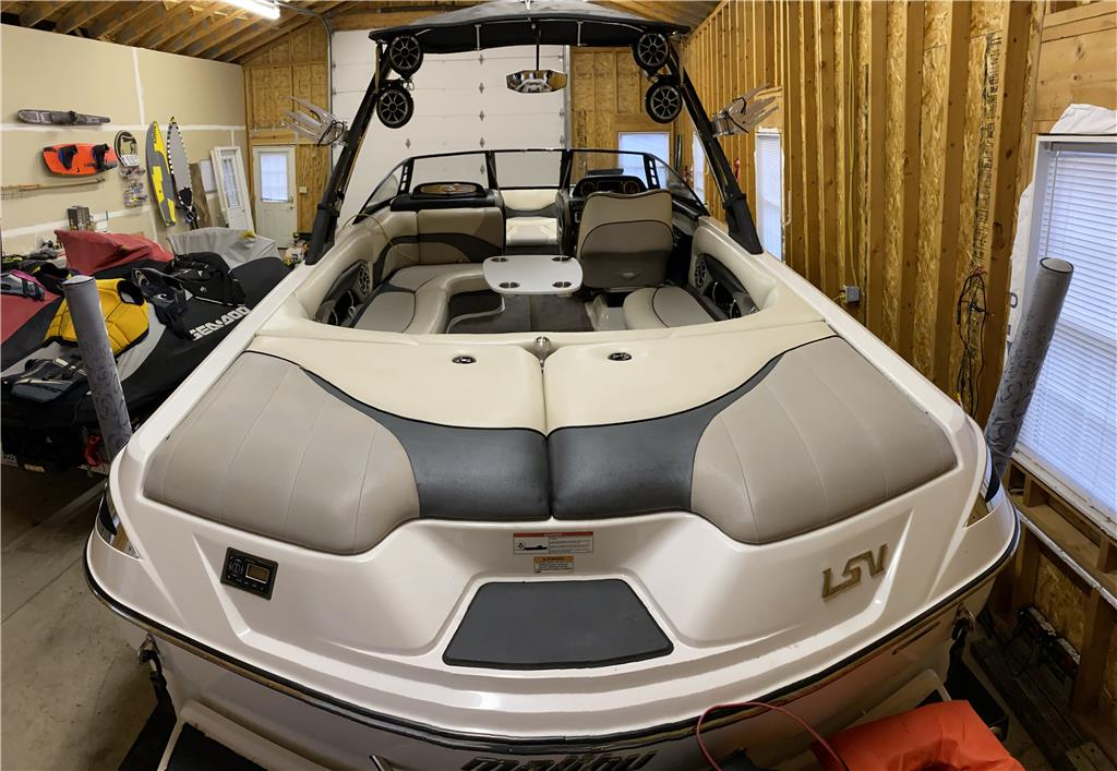 2010 Malibu Wakesetter 24 LSV - with Go Surf Assist SURF TABS!! n RBG LEDs - SOLD