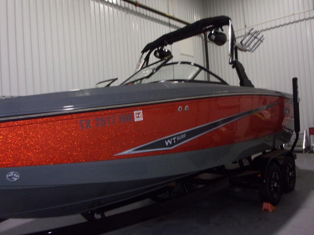2020 Heyday Wake Boats WT-Surf