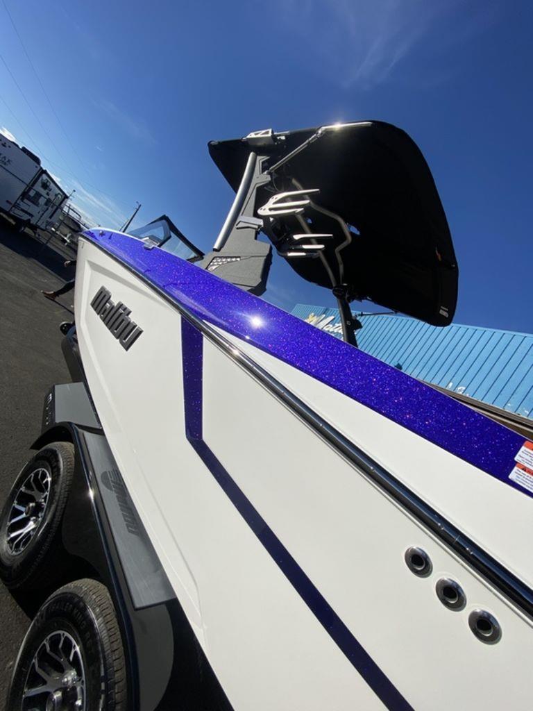 2021 Malibu Boats Wakesetter 24MXZ