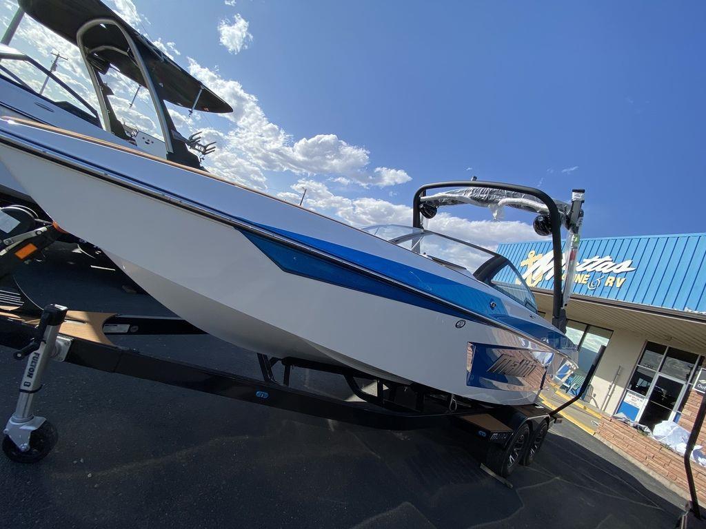 2021 Malibu Boats 23 MXZ