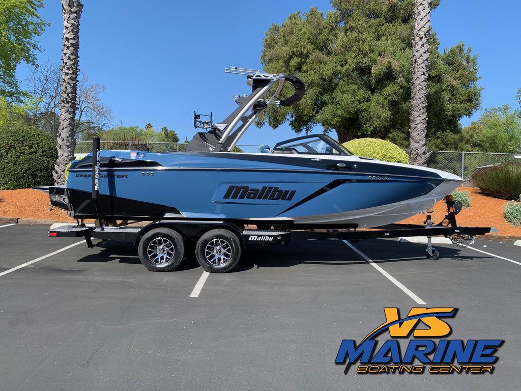 2021 Malibu Boats 22 LSV