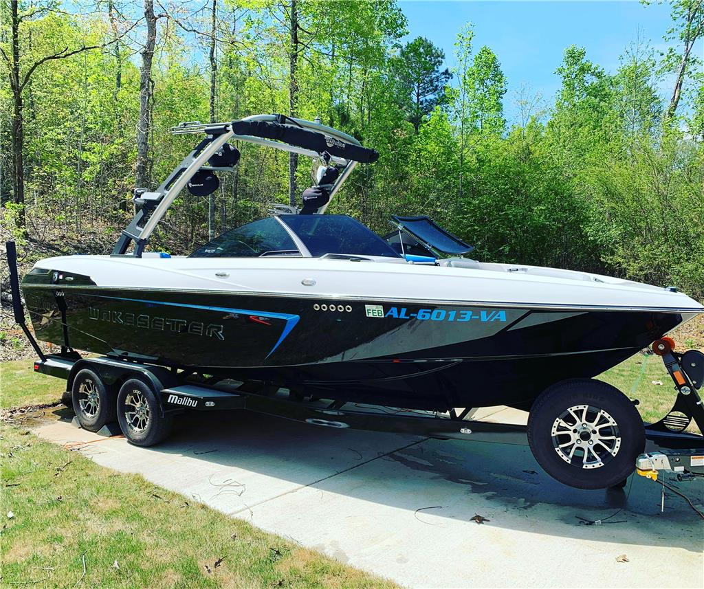 2016 Malibu Wakesetter 23LSV Low Hours with Upgrades