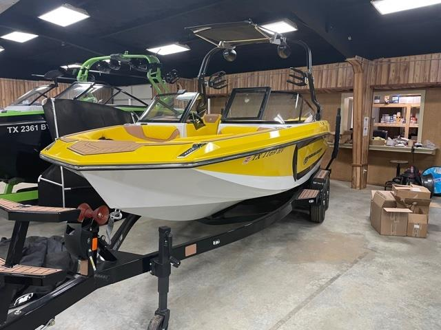 2020 Nautique GS22 (only 48 hours)