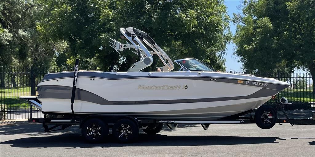 2021 Mastercraft X24 dream boat'
