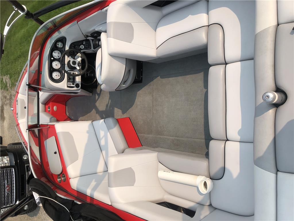 Mint Condition 2008 Ski Supreme V212 V8 Black Scorpion
