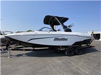 2020 Malibu Boats 25...