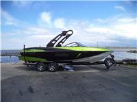2017 Malibu Boats LL...