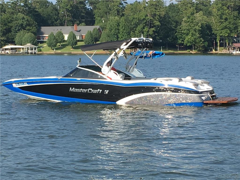 2014 Mastercraft X-46 with Trailer, 212 hours, Bluetooth, 4 Wetsounds, Gen 2 surf