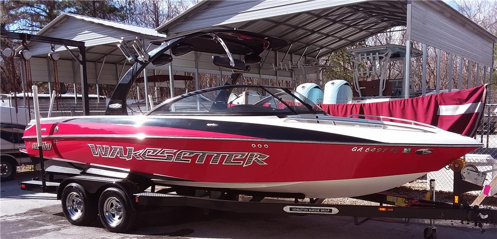 2007 Malibu 23LSV Wakesetter wakeboard / wakesurf boat with trailer by owner